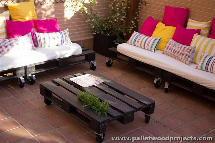 Pallet Rolling Sofa with Wheels