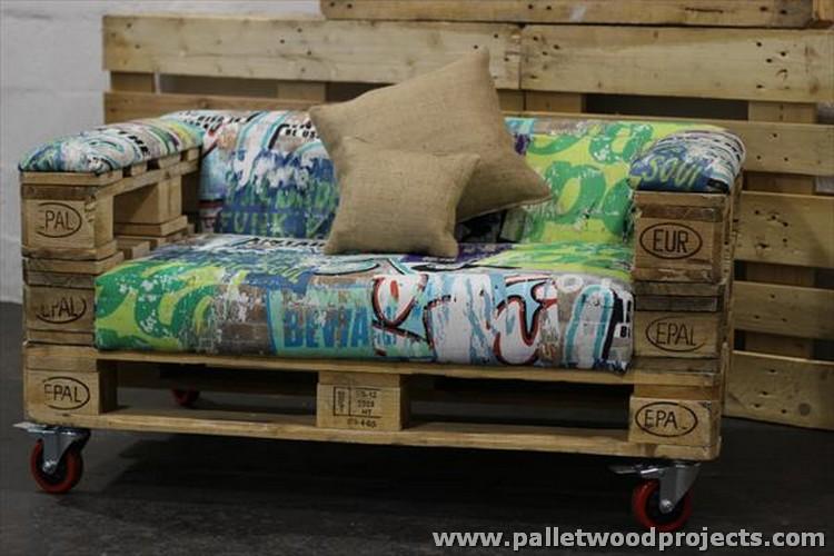 Pallet Rolling Sofa