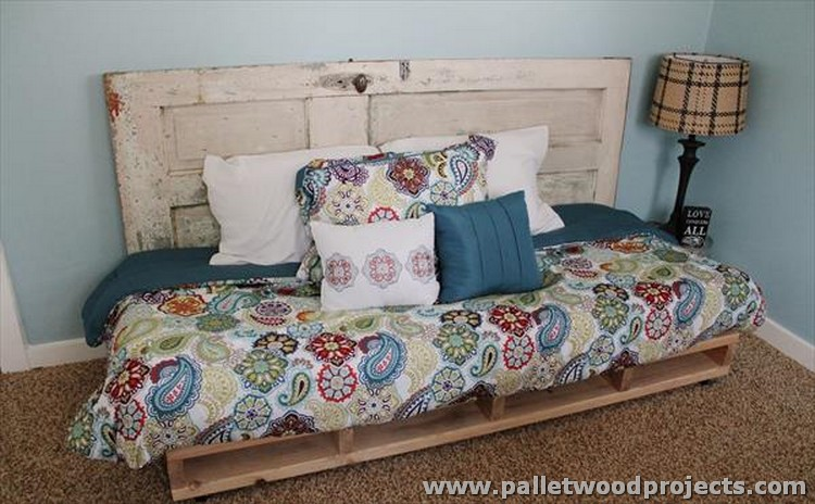 Pallet Sofa and Daybed