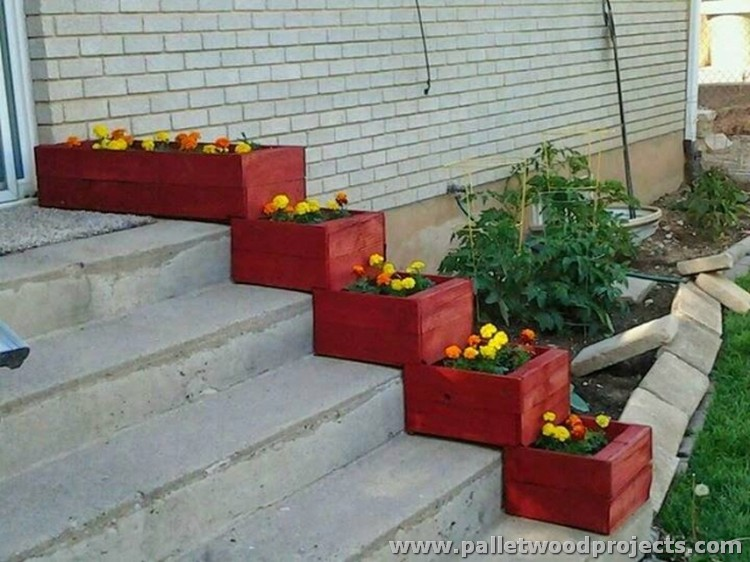 Pallet Stair Planters