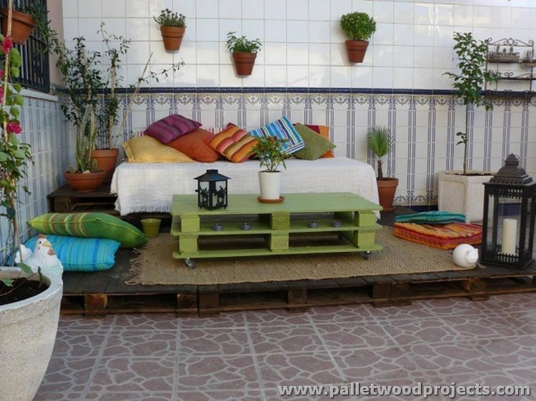 Pallet Table for Deck