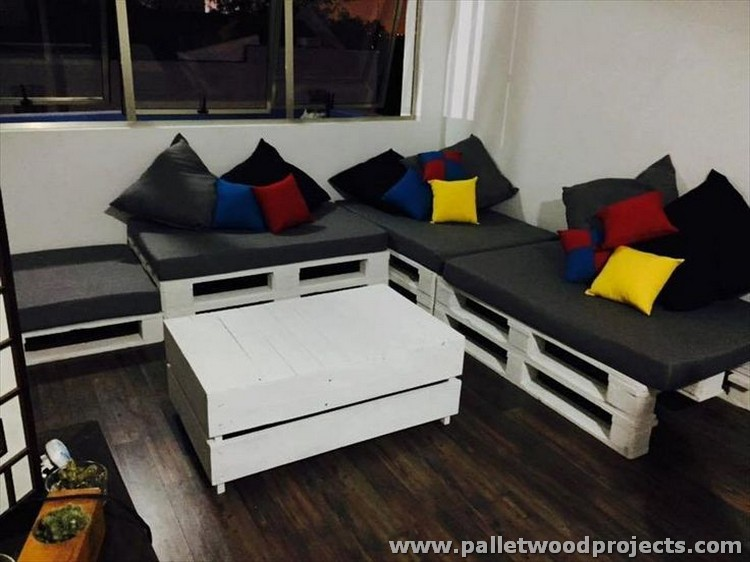 Pallet Wood Corner Couch with Coffee Table