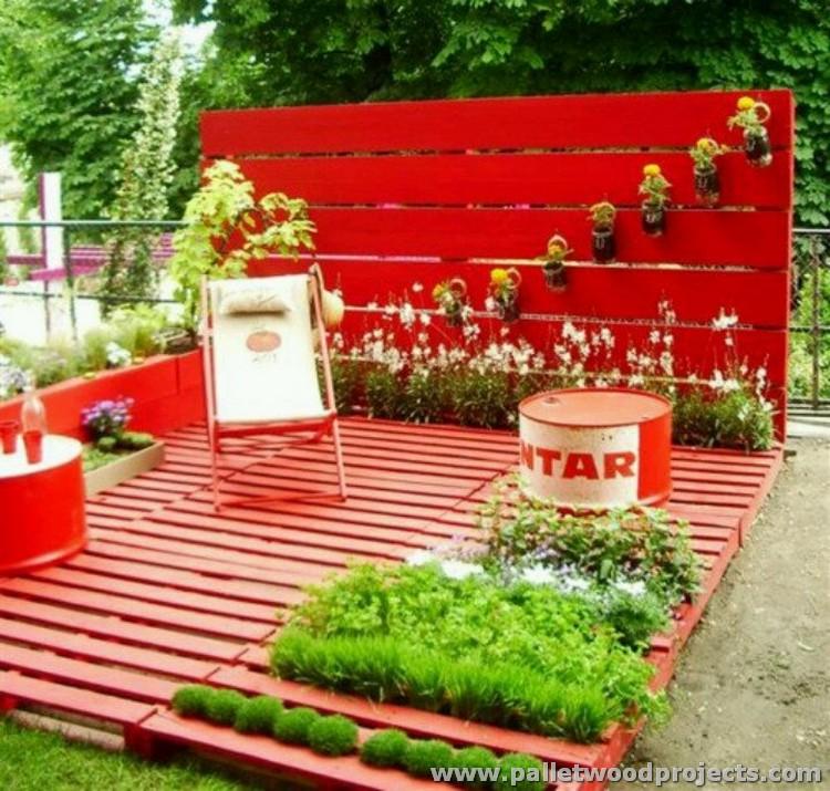 Pallet Wood Garden Decor