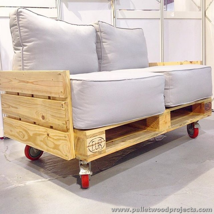 Raw Pallet Sofa with Wheels
