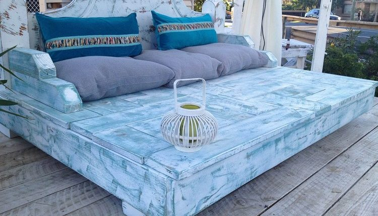 Recycled Pallet Daybed