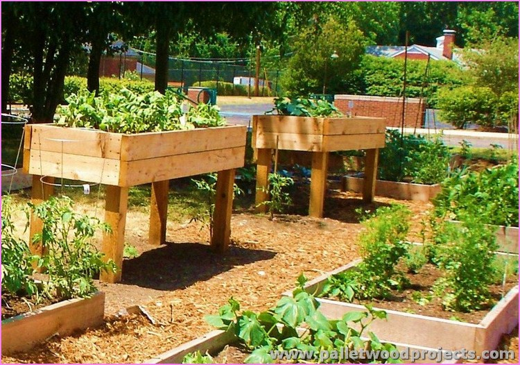 Recycled Pallet Raised Garden Bed