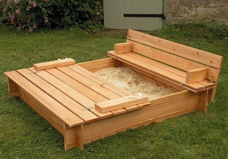 Recycled Pallet Sandbox for Kids | Pallet Wood Projects