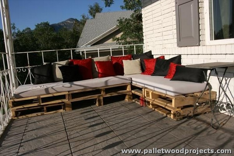 Upcycled Pallet Sectional Couch