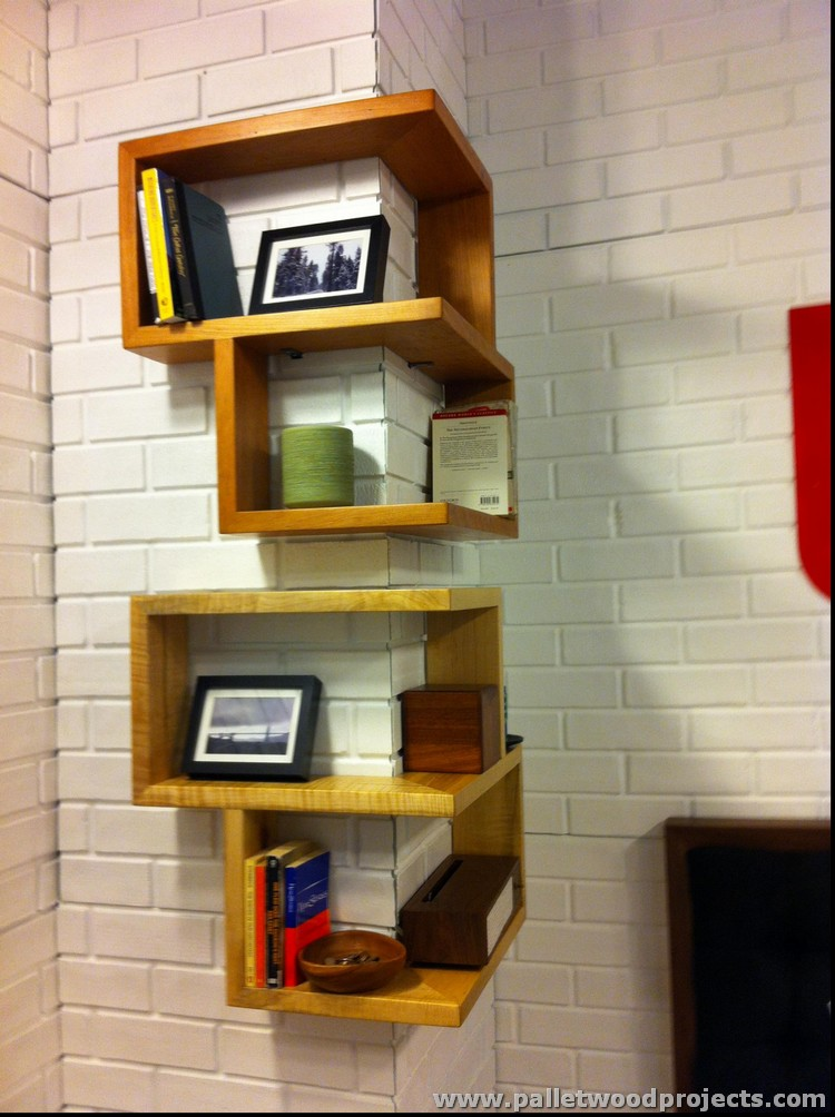 Wood Pallet Corner Shelf