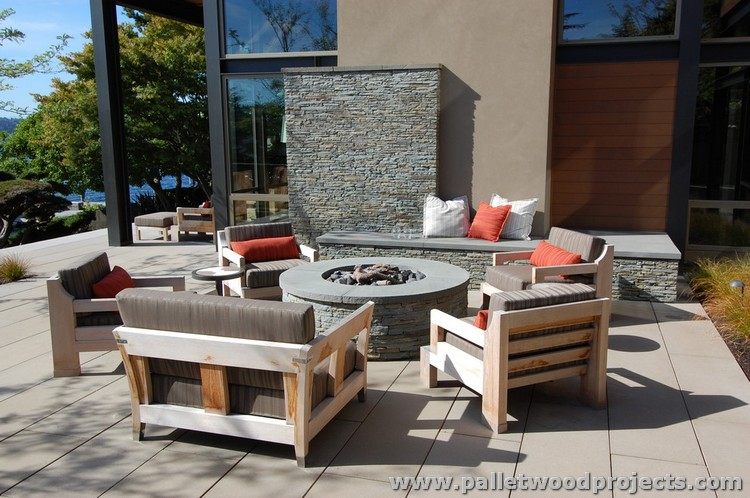 Modern Pallet Outdoor Furniture