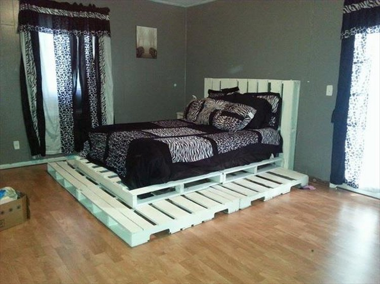 Pallet Double Dog Bed