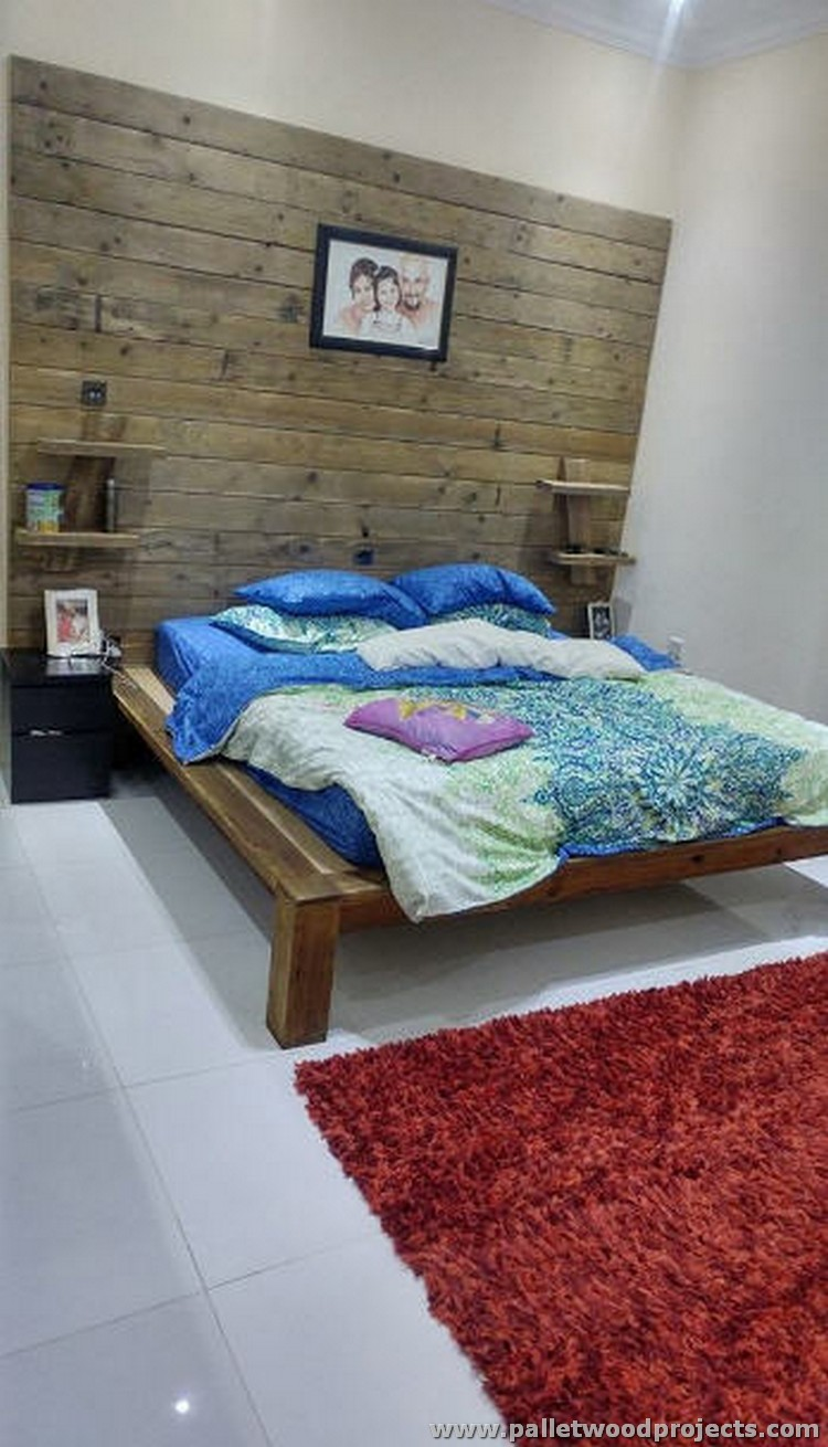 Pallet Bed or Headboard on Wall