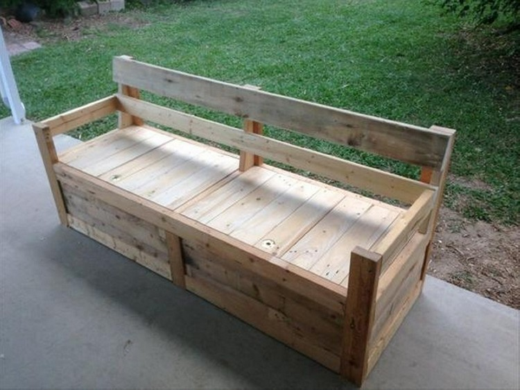 Recycled Wood Pallet Benches | Pallet Wood Projects