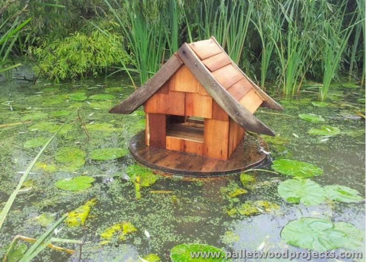 Pallet Birds House