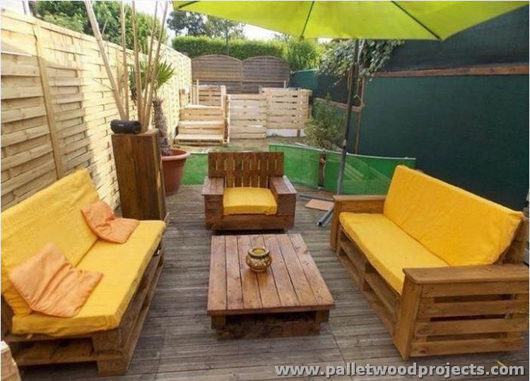 Pallet outdoor furniture plans pallet wood projects for Patio furniture designs plans