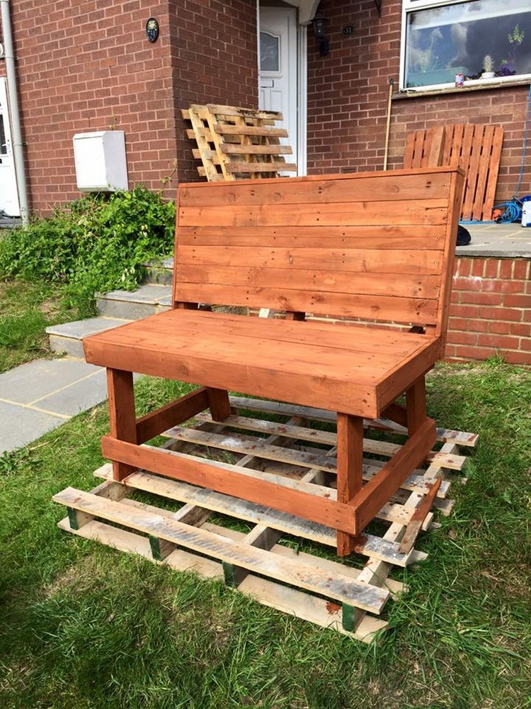 Pallet Patio Bench