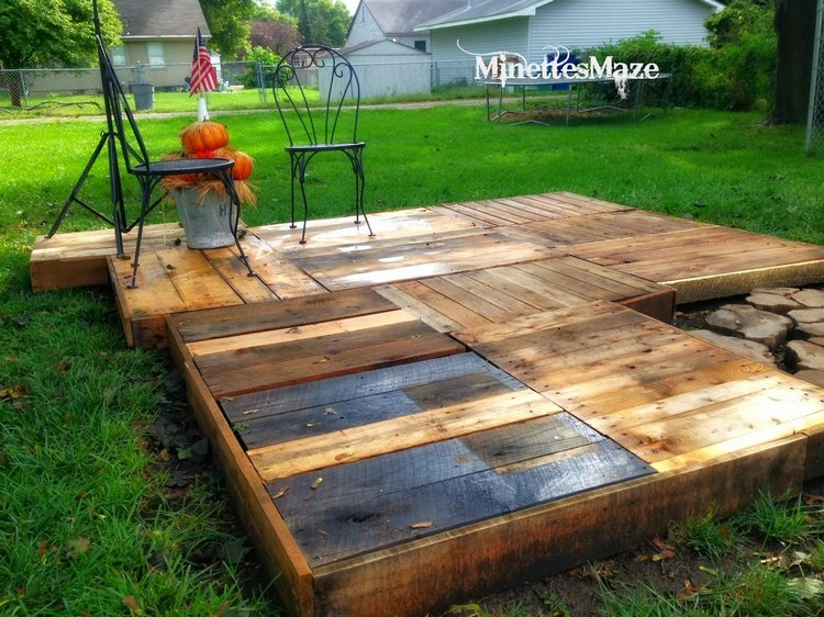 Wood pallet deck ideas pallet wood projects for Patio decks for sale