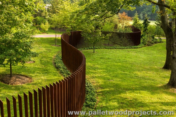 Pallet Patio Fence