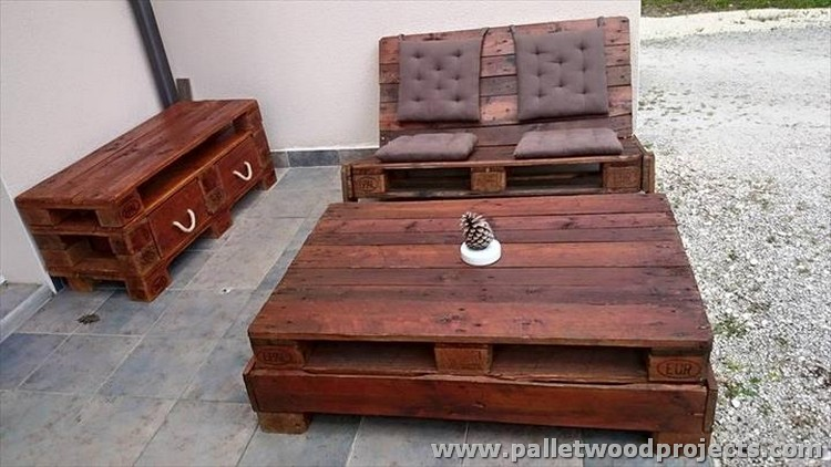 Pallet Outdoor Furniture Plans | Pallet Wood Projects