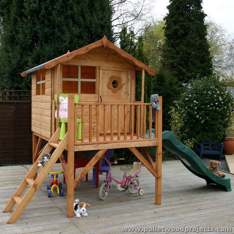 Kids have fun with pallet playhouse pallet wood projects for Plans for childrens playhouse