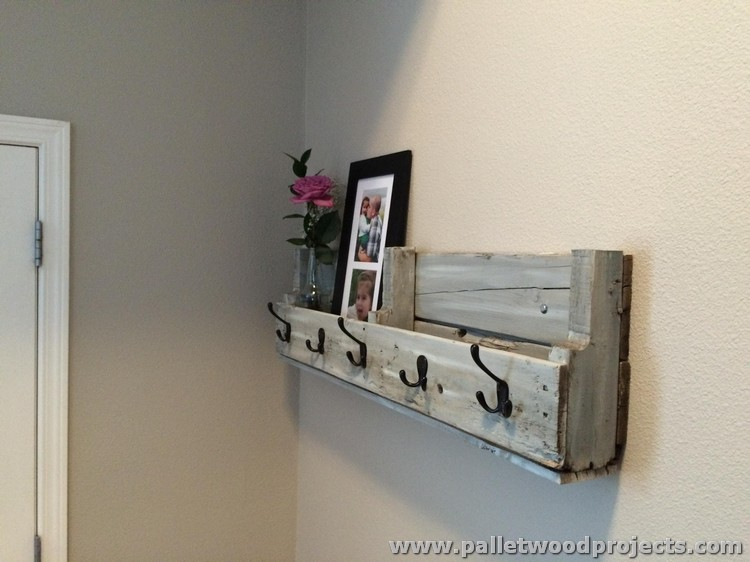 Decorative Pallet Wall Shelves | Pallet Wood Projects
