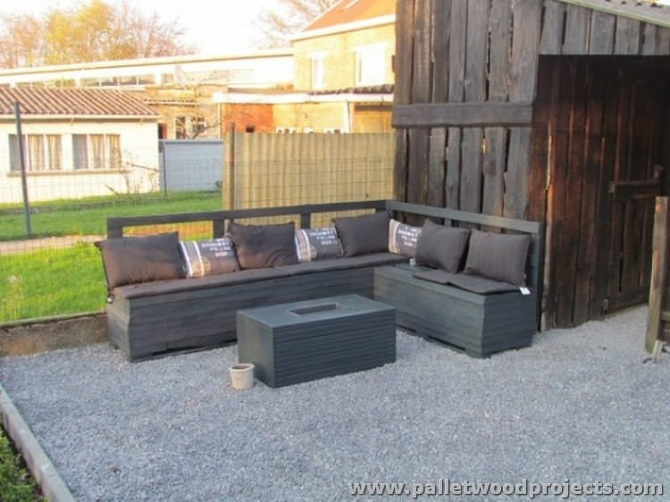 Recycled Pallet Patio Furniture