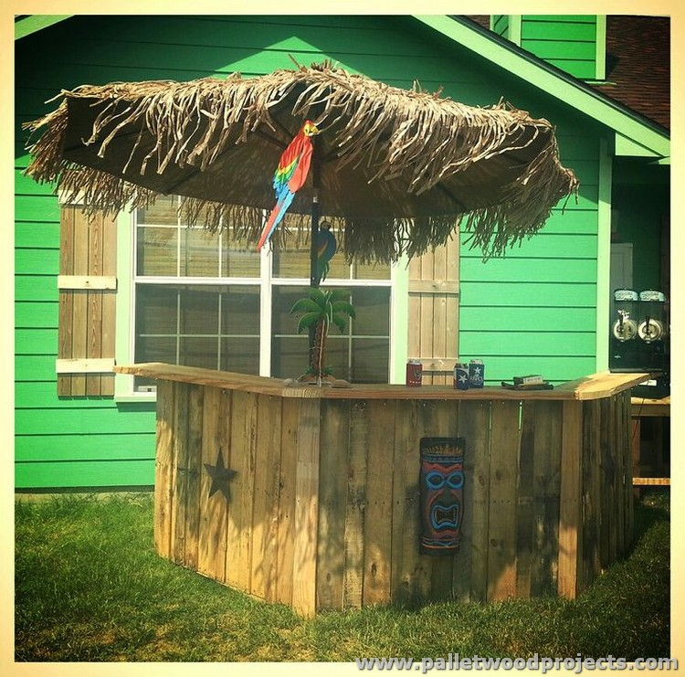 Upcycled Pallet Tiki Bar