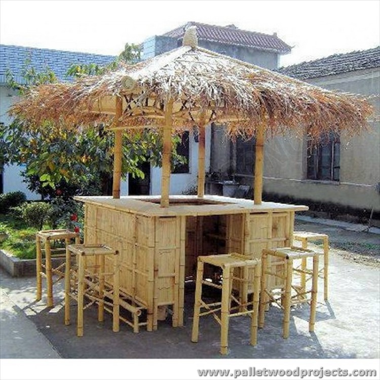 Recycled pallet tiki bar ideas pallet wood projects - Bamboo bar design ideas ...