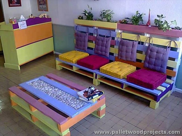 Colorful Pallet Sofa and Table
