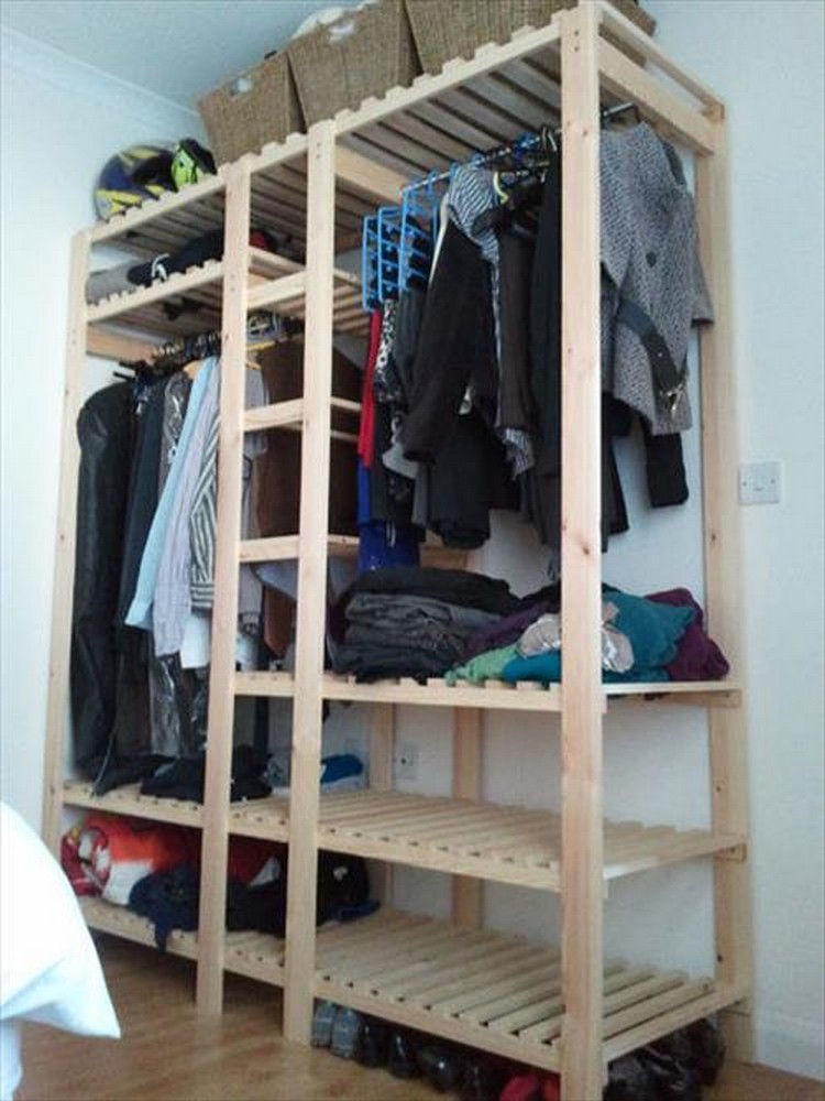 Ideas for Pallet Wardrobes