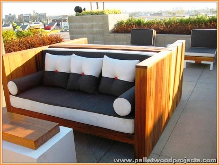Outdoor Recycled Pallet Furniture