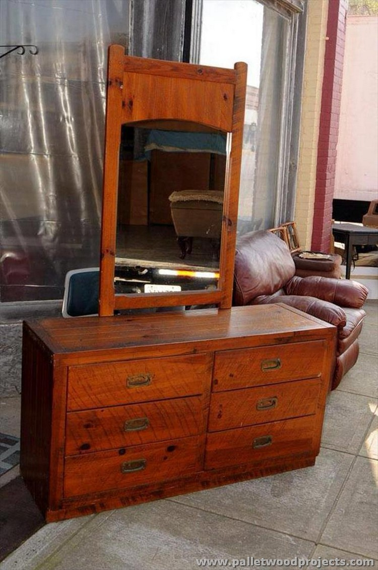 Pallet Dressing Table with a Mirror and Drawers