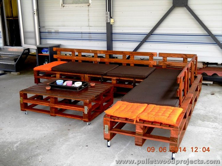 Pallet L Shape Outdoor Sofa