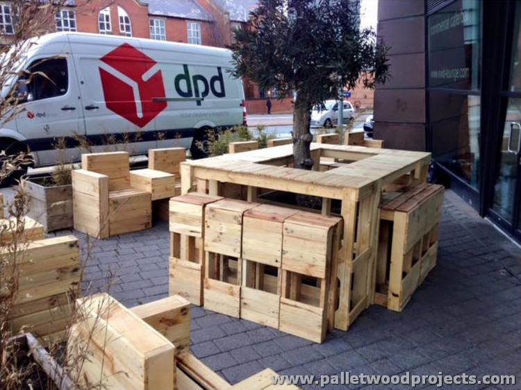 Things to make out of recycled pallets pallet wood projects for Things to build using pallets