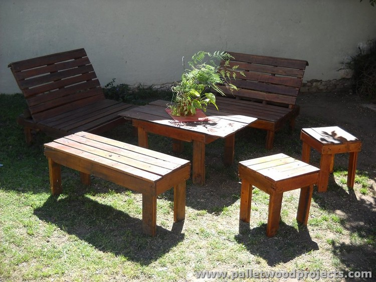 Pallet Patio Furniture Set