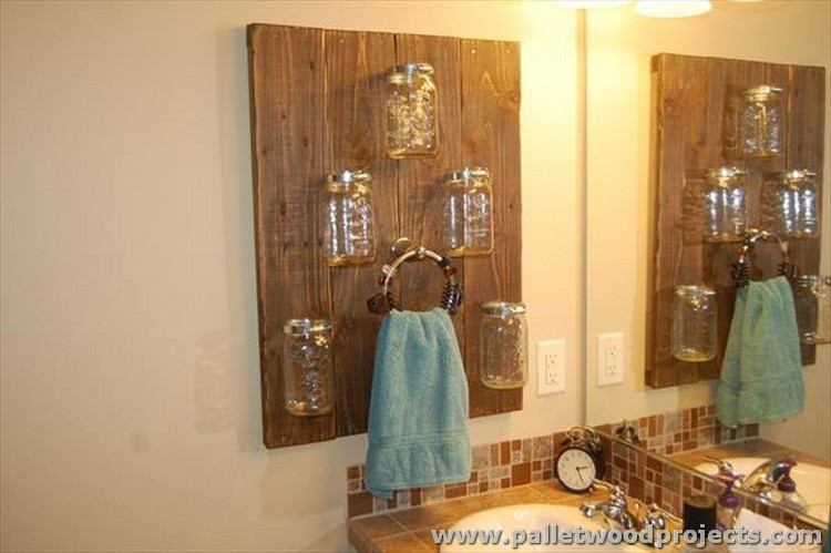 Pallet and Mason Jars Towel Rack