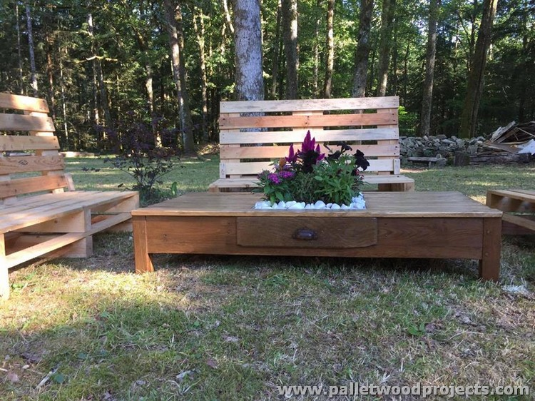 Pallet Garden Furniture Set Pallet Wood Projects