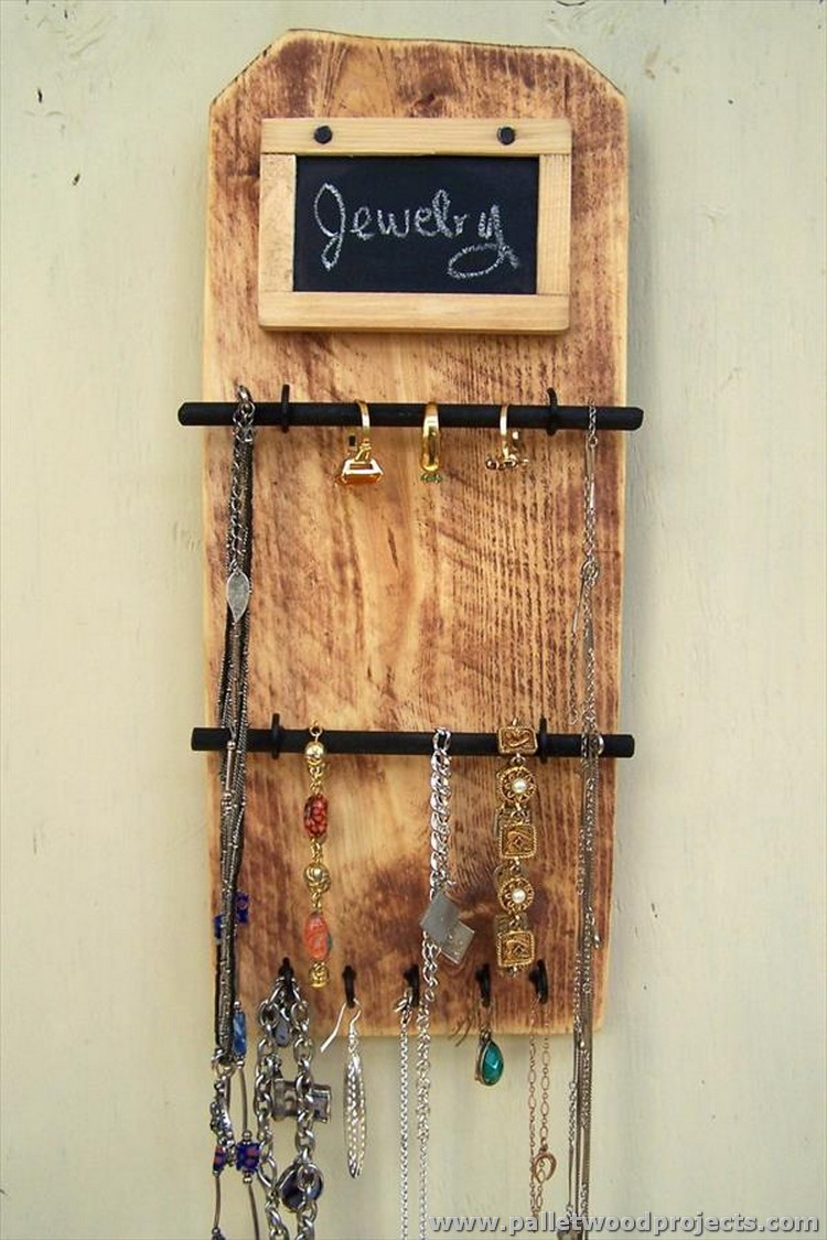 Wood Pallet Jewelry Organizer