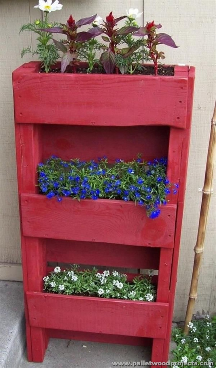 Painted Pallet Planter