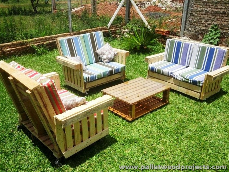 Recycled pallet patio furniture plans pallet wood projects for Patio furniture designs plans