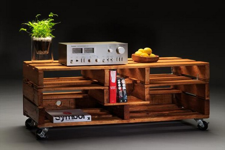 Pallet Media Table With Casters
