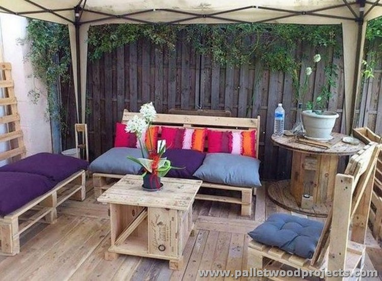 Attractive Outdoor Pallet Furniture Plans