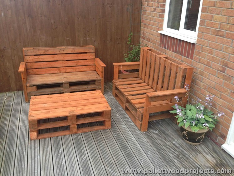 Recycled pallet patio furniture plans pallet wood projects for Meubles de terrasse design