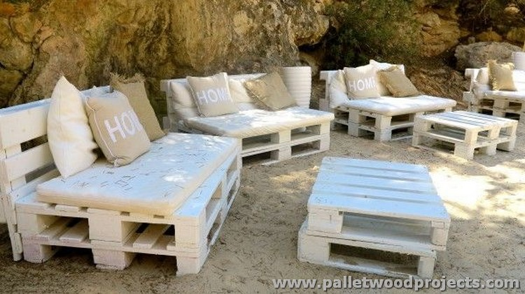 Pallet Outdoor Sitting Plans