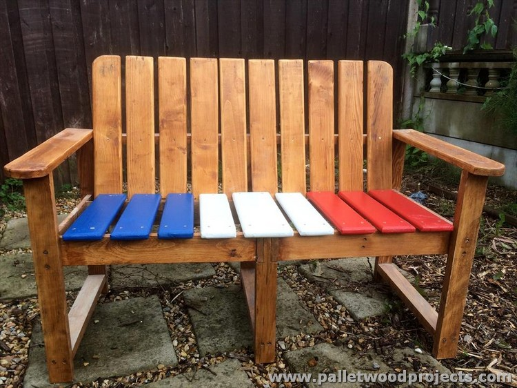 Pallet Painted Flag Bench