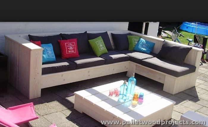 Pallet Sectional Sofa with Table