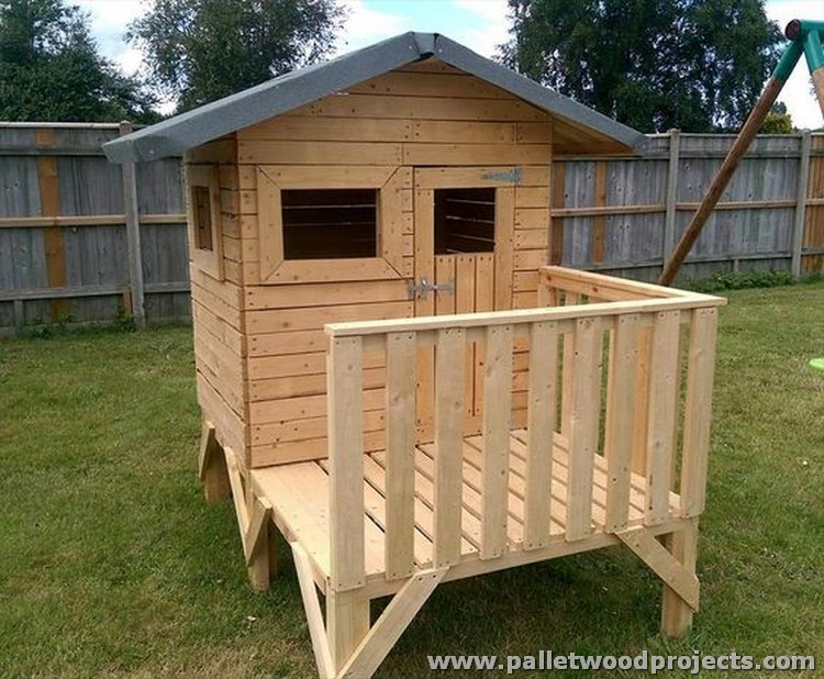 Upcycled wood pallet projects pallet wood projects for Wood pallet fort