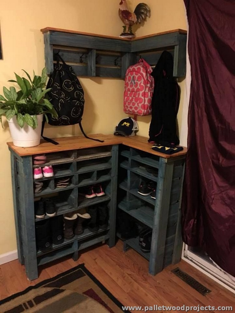 Wood Pallet Shoe Rack with Wall Coat Rack
