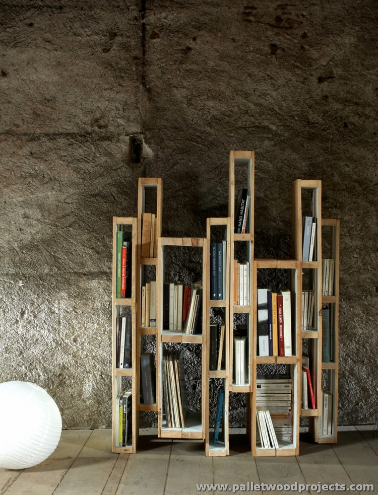 Wood Pallet Verticle Bookshelf