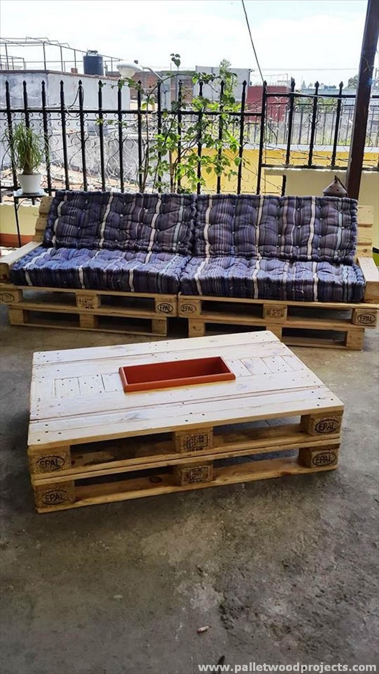 Pallet Coffee Table with Icebox
